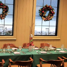 1757 Holiday Table Setting