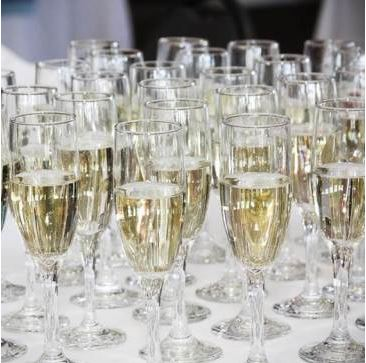 champagne glasses for weddings and events at golf course