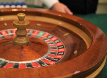 1757 Roulette Table Game