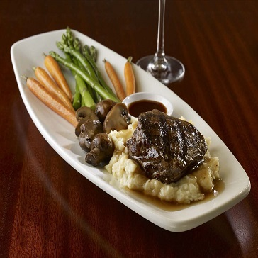 Food From The Grille at Walkabout Golf Steak Mashed Potatoes and Vegetables