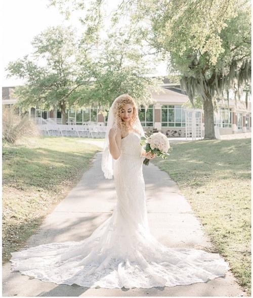 Eaglebrooke Weddings - Bride outside clubhouse
