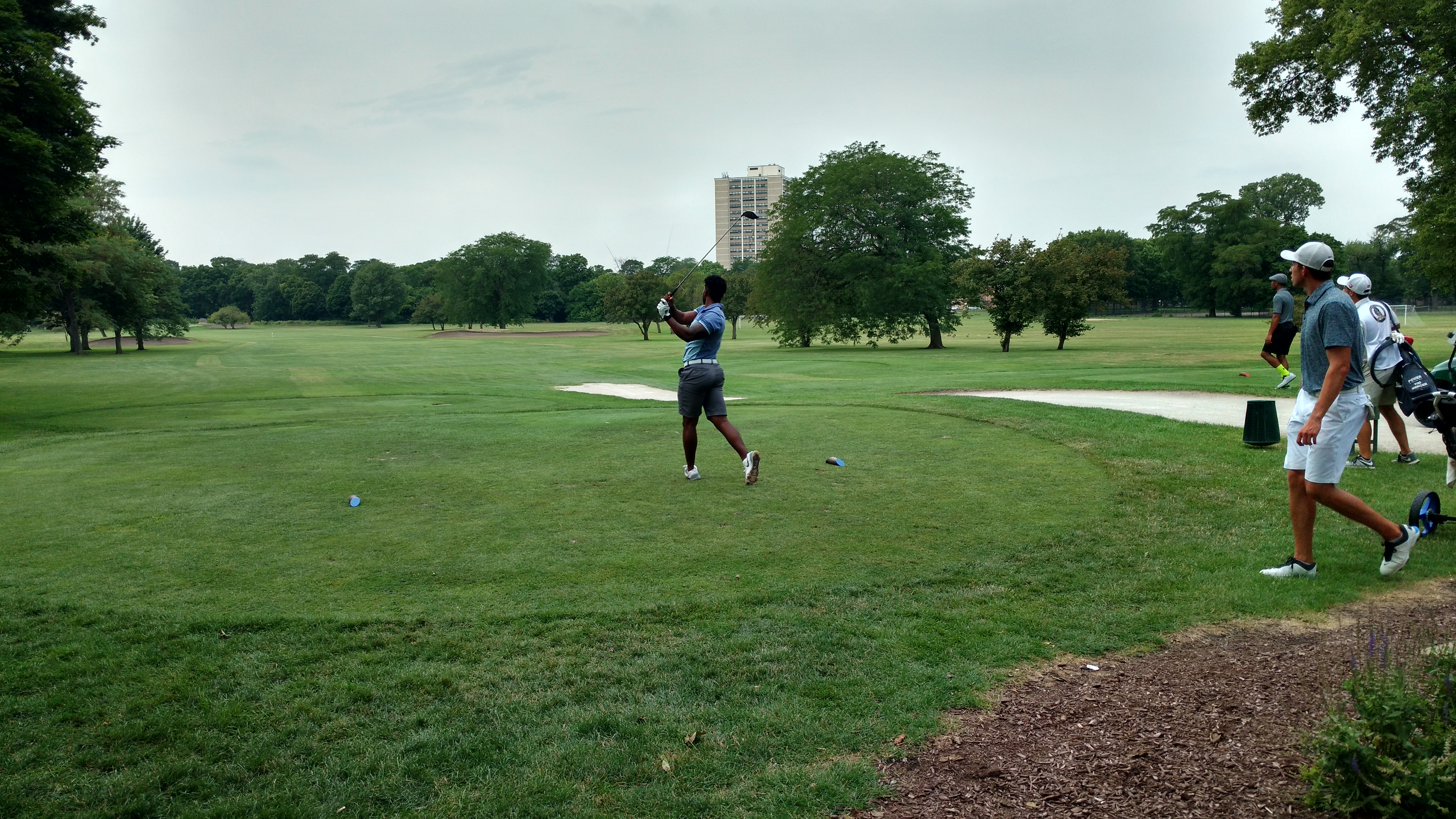 113th Chicago Amateur Day One: Competitor Teeing Off
