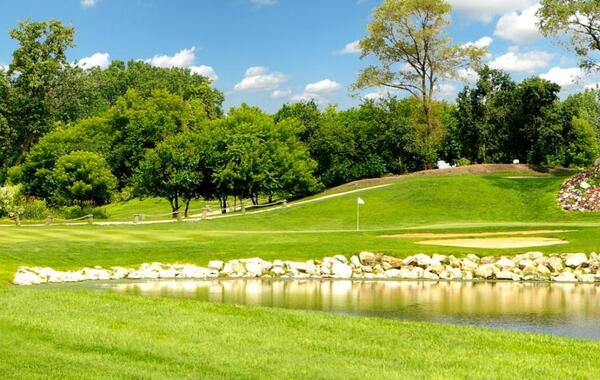 Water's Edge Golf Club wins Best of Worth Award