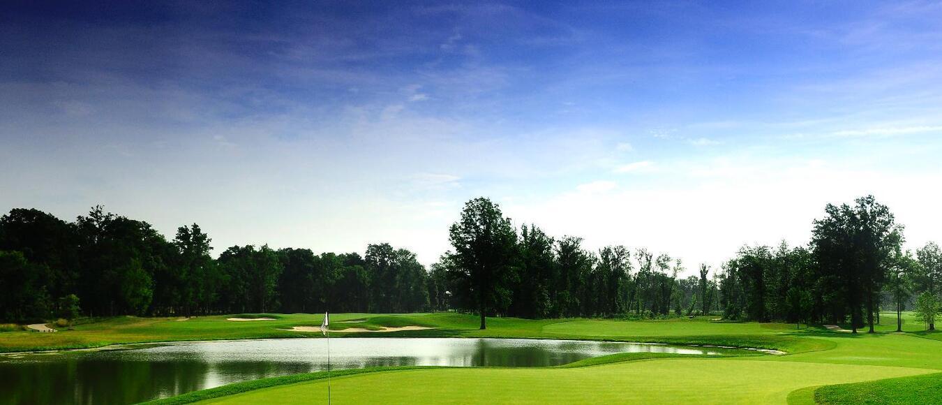 1757 Golf Club Green