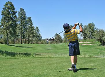 junior golfer at billy casper golf